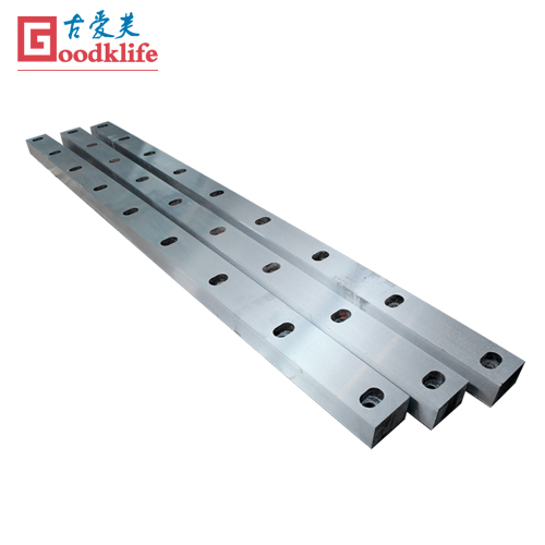Guillotine shear blade for medium carbon steel sheet